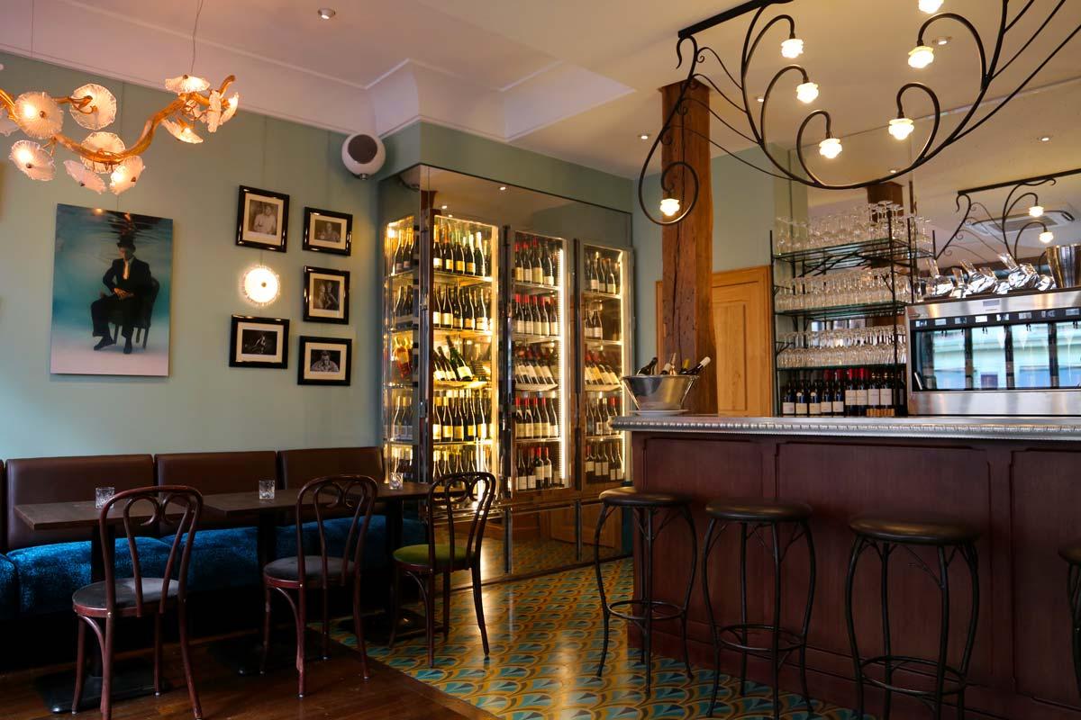 La salle du Bar du Bouillon